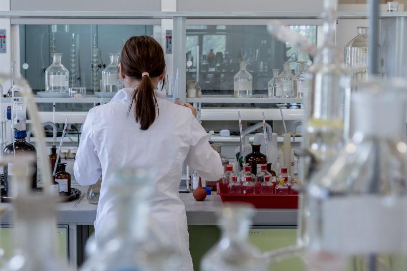 laboratory technician in lab